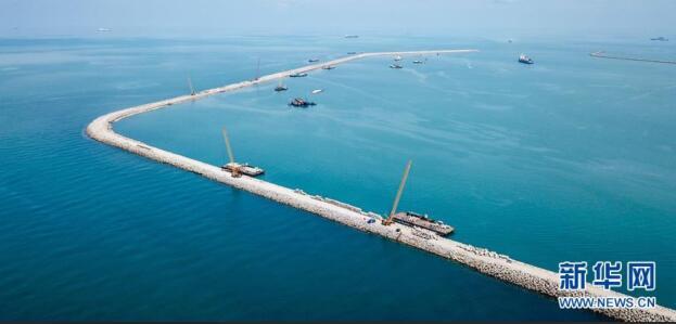 马来西亚关丹港新深水码头防波堤