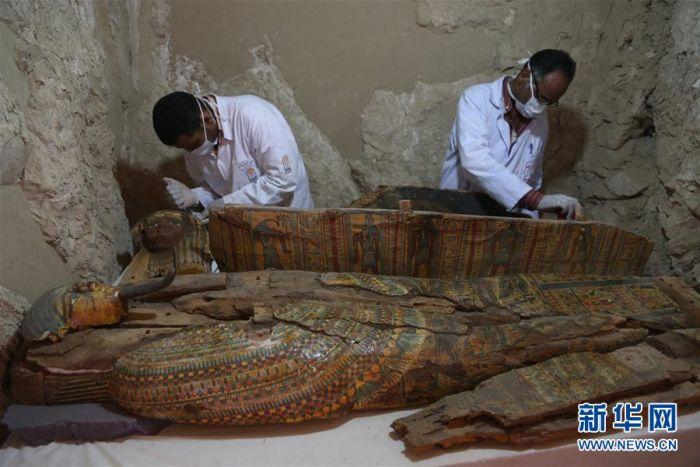 埃及发现贵族大墓 出土多具木乃伊