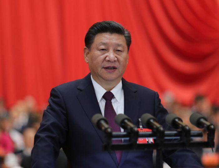 10月18日,中国共产党第十九次全国代表大会在北京人民大会堂开幕。习近平代表第十八届中央委员会向大会作报告。新华社记者 鞠鹏 摄