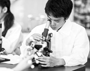 """拔尖培养计划 让""""小科学家""""走进大实验室"""