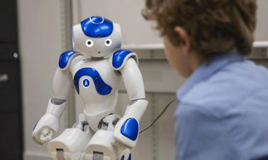 Study: Kids more susceptible to robots than adults