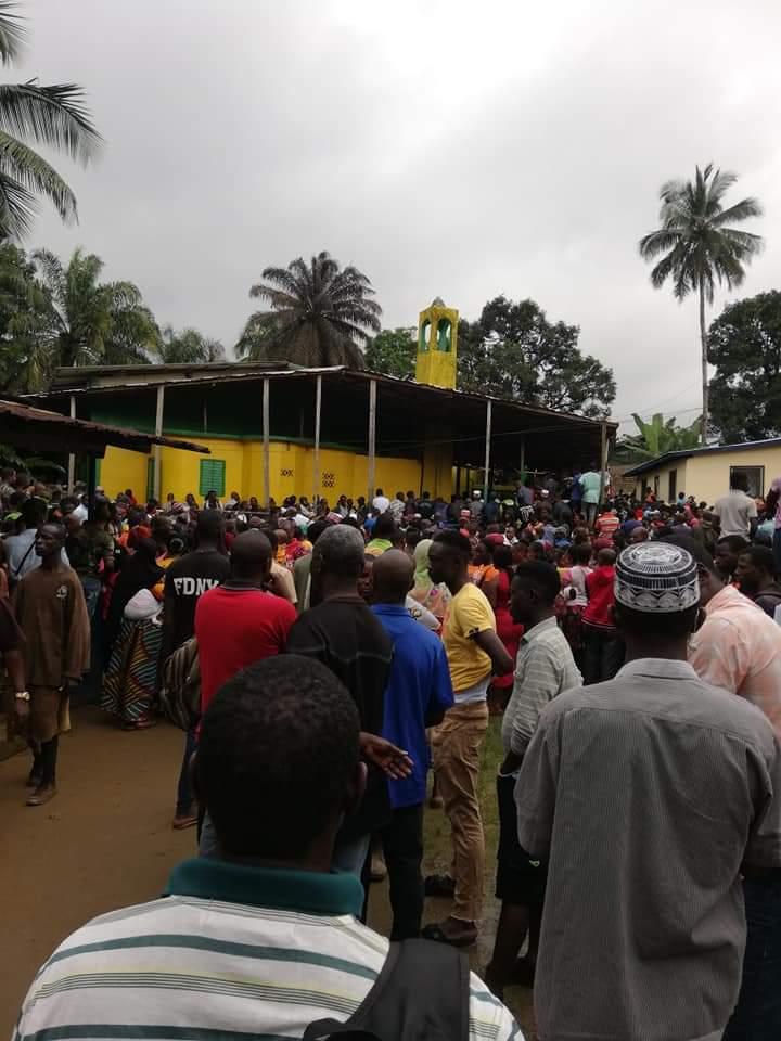 利比里亚一学校发生火灾 已造成28人死亡