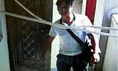 Gunman at large after killing two in Jiangxi