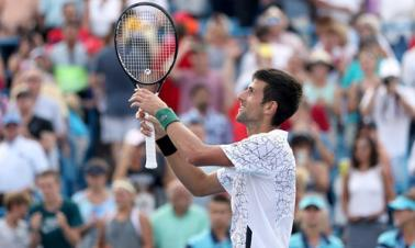 Djokovic beats Federer in Cincinnati
