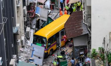 4 dead, 11 injured in Hong Kong school minibus crash