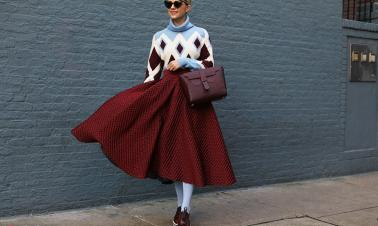 Learn from fashion bloggers: Festive colors in winter
