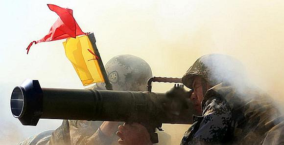 火力凶猛!解放军火箭筒迫击炮实弹射击