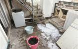 鄞州天欣家园一业主在阁楼自建卫生间、公区搭水槽楼梯 谁来管?
