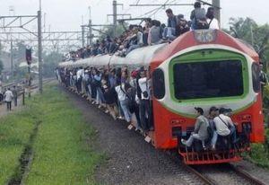 一辆驶向雅加达的火车