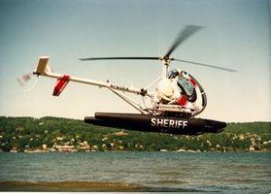施韦策300直升机