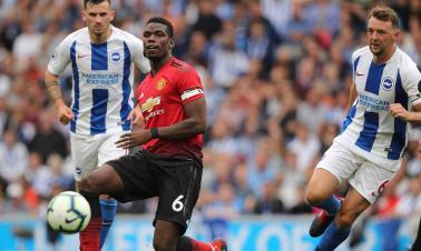 Premier League: Manchester gap widens as City score 6 and United lose